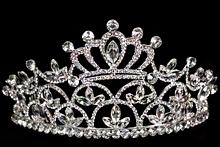 диадемы (короны, тиары) - высокие короны для конкурсов красоты