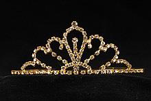 диадемы (короны, тиары) - невысокая недорогая свадебная диадема для волос, фото