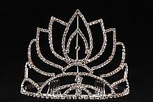 диадемы (короны, тиары) - фото высокая золотистая диадема для невесты