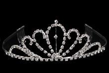 диадемы, короны, тиары - серебристая диадема со стразами