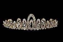 диадемы (короны, тиары) - купить яркую золотистую диадему, фото