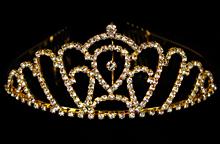 высокая золотистая диадема с серебристыми стразами в москве, купить недорого