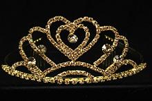 высокая золотистая стразовая диадема с золотистыми стразами в форме короны