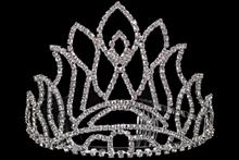 высокая серебристая диадема (тиара, корона) со стразами для конкурса красоты или на свадьбу