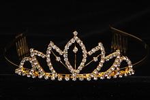 диадемы (короны, тиары) - красивая диадема со стразами, фото