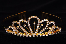 диадемы (короны, тиары) - невысокие стразовые диадемы для невесты купить