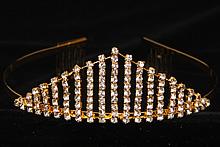 диадемы (короны, тиары) - невысокая стразовая серебряная диадема купить