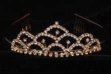 диадемы (короны, тиары) - невысокие диадемы со стразами