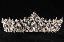 диадемы (короны, тиары) - купить украшения для волос диадемы со стразами-хамелеонами