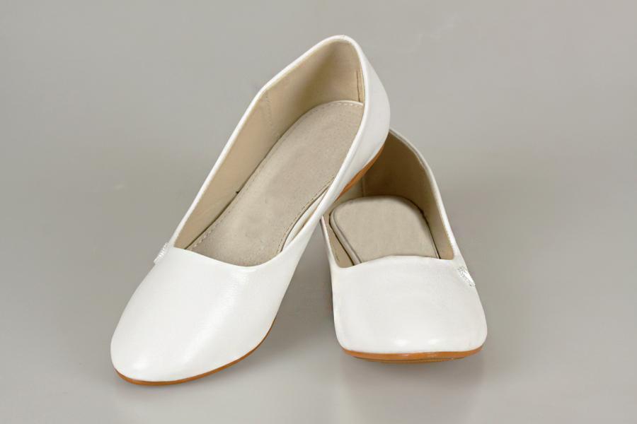 Арт. 146. Цена: 2750 руб. подробнее · свадебная обувь, свадебные балетки молочного