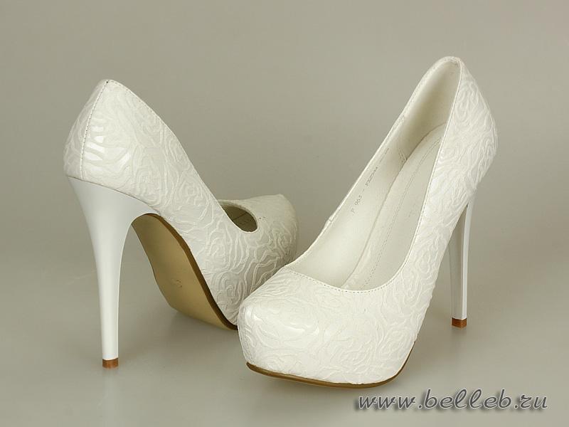 Свадебные туфли на высоком каблуке белые