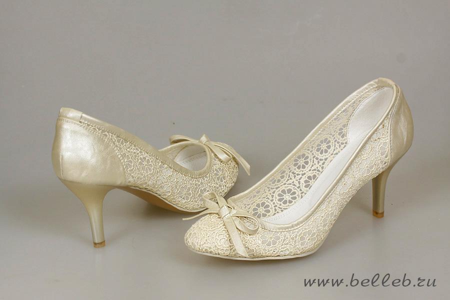 Свадебные туфли с гипюром