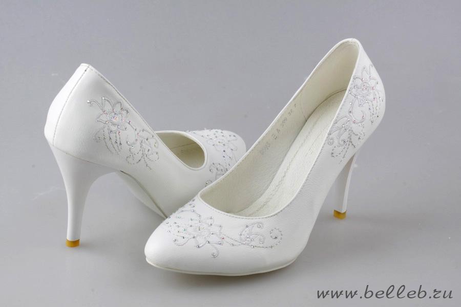 Резиновая обувь на каблуках