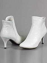 обувь на свадьбу, сапожки белого цвета, фото с ценами, каталог