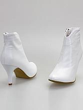 обувь на свадьбу, белые свадебные сапожки на среднем каблуке, картинки, каталог, купить в москве