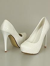 свадебная обувь, туфли кремового цвета на скрытой платформе и высоком каблуке, фото
