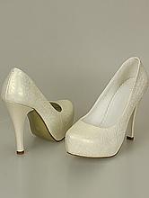обувь на свадьбу в греческом стиле, туфли цвета шампанского на скрытой платформе и высоком каблуке