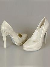 свадебные туфли для невесты цвета айвори (шампань, кремовый) с золотистым оттенком