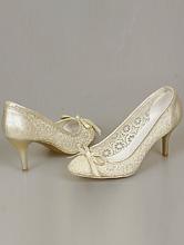 купить туфли для невесты из гипюра кремового цвета на небольшом каблуке с бантиком