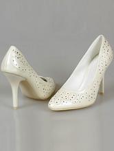 туфли-лодочки цвета айвори (шампань, светло-бежевый) на среднем каблуке с вышивкой и серебристыми стразами