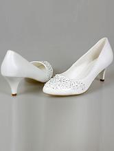 белые вышитые туфли на невысоком устойчивом каблуке, интернет-магазин, 2017