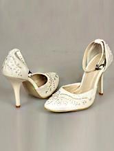 полуоткрытые свадебные туфли цвета айвори с вышивкой и стразами
