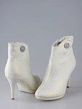 обувь на свадьбу, свадебные сапоги цвета айвори (светло-бежевого, шампань), фото, цены, каталог, москва