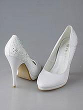 белые свадебные туфли на платформе с вышивкой и стразами, фото, цены, каталог, москва