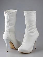 белые сапоги на скрытой платформе, свадебная обувь купить в москве